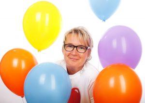 Frau mit Baloon